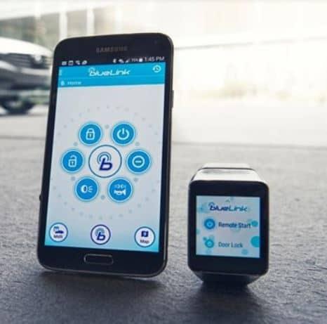HyundaiBluelinkwithsmartphone