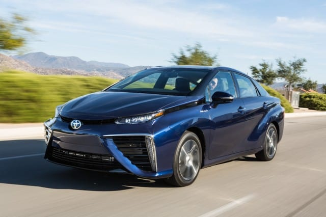 toyota-mirai-fuel-cell-sedan-20-640x426