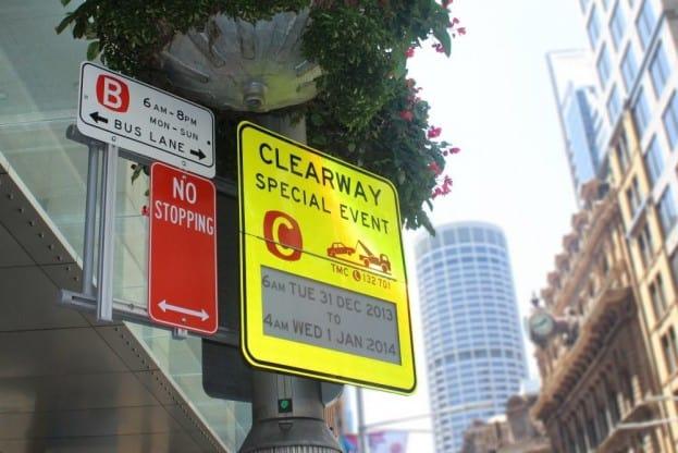 Sydney_epaper_road_signN