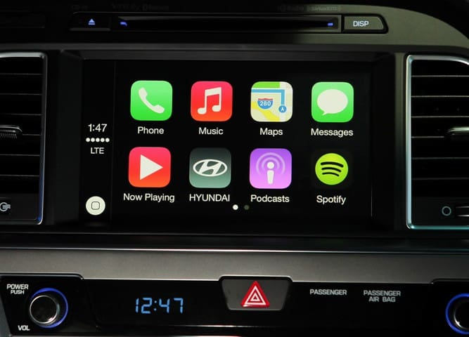 HYUNDAI BRINGS APPLE CARPLAY INTO THE NEW 2015 SONATA