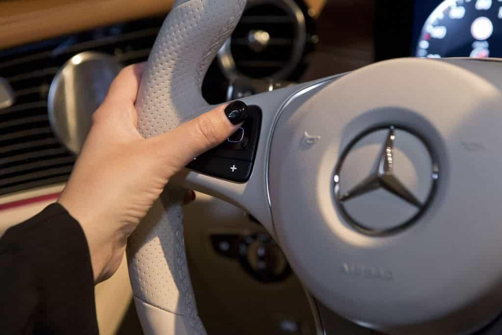 steeringwheelstouchpad