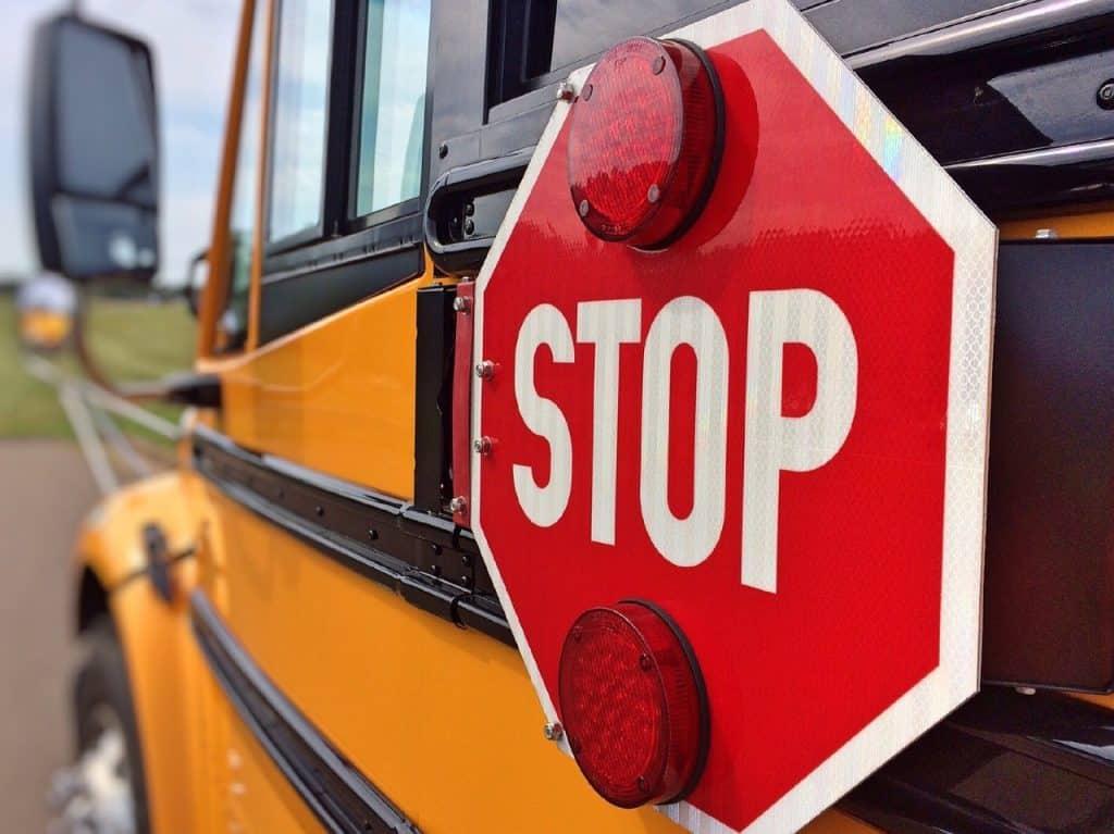 schoolbus-878697_1280